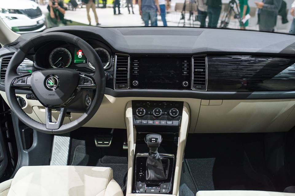 Xe++ - SUV Skoda Kodiaq sắp trình làng, đối thủ của Toyota Fortuner 2017 (Hình 4).