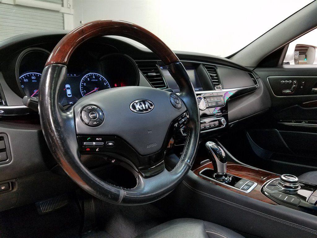 Xe++ - Sau 2 năm sử dụng, sedan hạng sang K900 của Kia rao bán 454,4 triệu đồng (Hình 6).