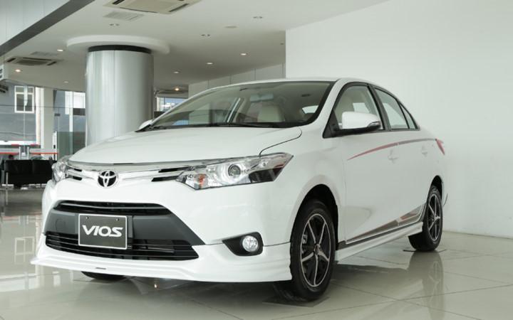 Xe++ - Bảng giá ô tô Toyota tháng 10/2017: Vios và Innova tiếp tục được giảm giá