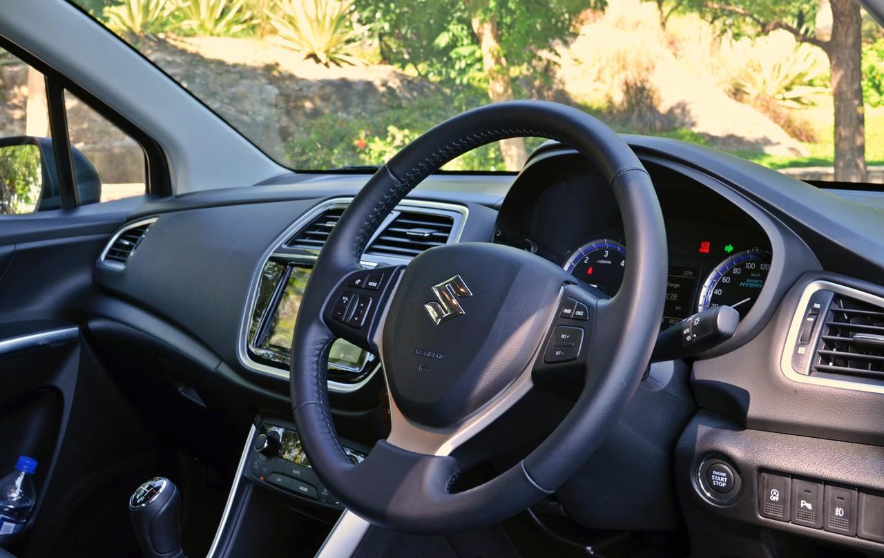 Xe++ - Suzuki S-Cross facelift 2017, xe cỡ nhỏ giá rẻ tiết kiệm xăng  (Hình 7).