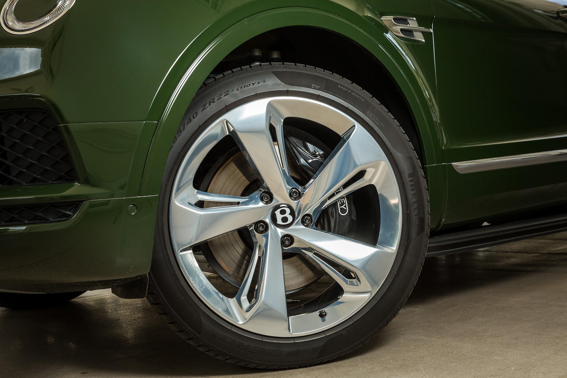 Xe++ - Chiếc Bentley Bentayga phiên bản Bespoke đầu tiên xuất hiện tại Việt Nam (Hình 3).