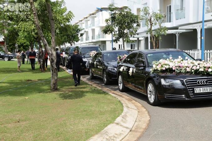 Xe++ - Choáng ngợp loạt xe sang tiền tỷ trong đám cưới Hoa hậu Thu Thảo  (Hình 5).