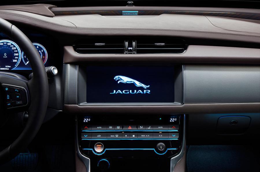 Xe++ - Top 10 mẫu xe sở hữu màn hình cảm ứng lớn nhất hiện tại (Hình 4).