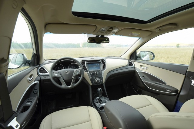 Xe++ - Hyundai SantaFe 2017 giảm giá tới 230 triệu đồng (Hình 3).