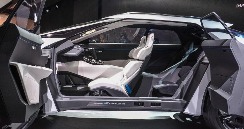 Xe++ - [Tokyo 2017] Cận cảnh chi tiết SUV công nghệ cao Mitsubishi E-Evolution Concept (Hình 10).