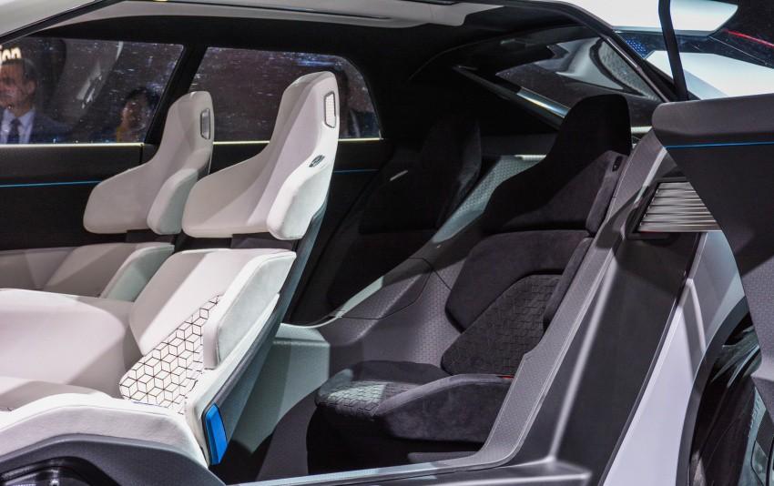 Xe++ - [Tokyo 2017] Cận cảnh chi tiết SUV công nghệ cao Mitsubishi E-Evolution Concept (Hình 13).