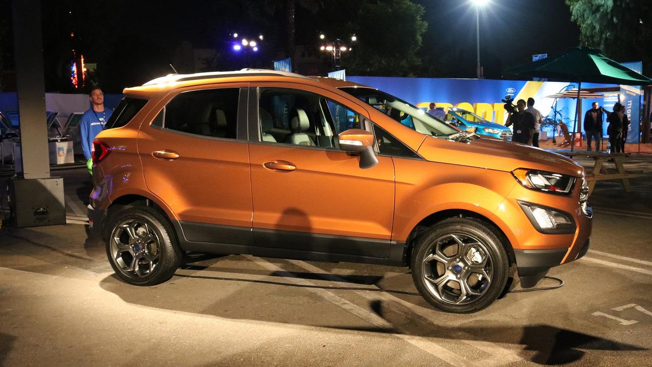 Xe++ - Ford Ecosport 2018 có giá bán cao ngất ngưởng 30.555 USD (Hình 4).
