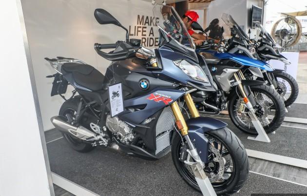 Xe++ - Bản cải tiến BMW S1000XR 2017 mạnh 165 mã lực, giá 569,5 triệu đồng