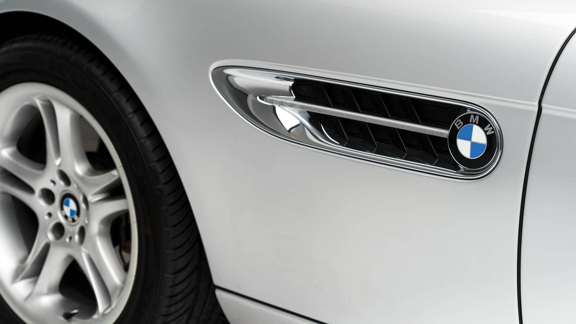 Xe++ - BMW Z8 của Steve Jobs sắp bán đấu giá khởi điểm từ 6,83 tỷ đồng (Hình 8).
