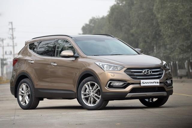 Xe++ - Giá ô tô Hyundai tháng 11/2017: SantaFe 2017 giảm 230 triệu đồng