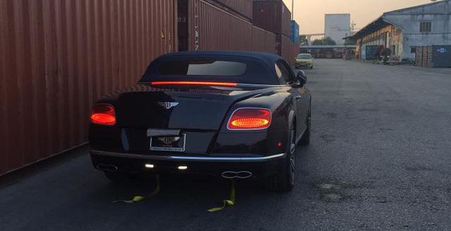 Xe++ - Bentley Continental GT V8 S mui trần đầu tiên cập bến tại Việt Nam (Hình 2).