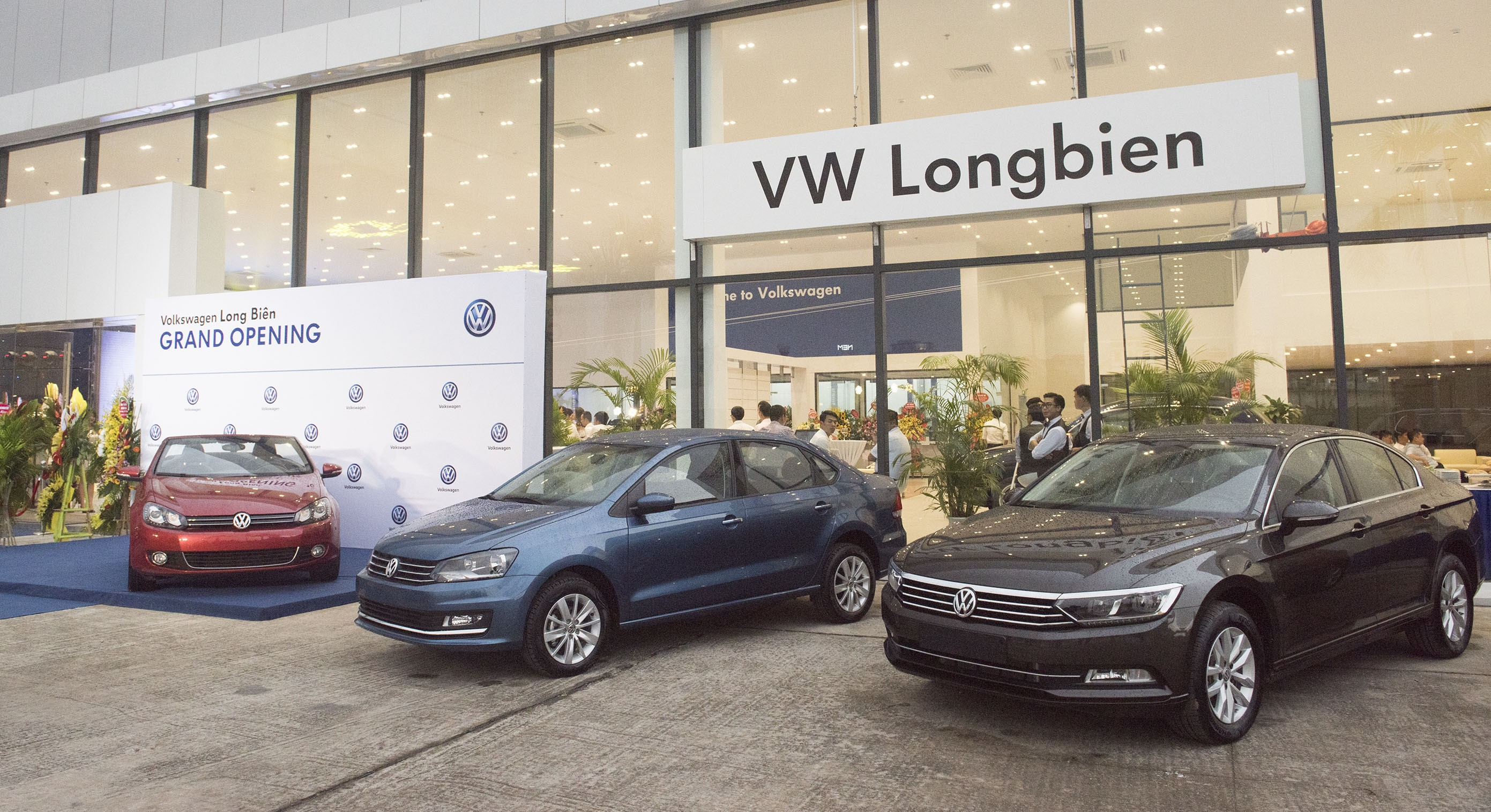 Xe++ - Giá ô tô Volkswagen tháng 11/2017: Giảm giá 'khủng' mẫu xe chủ lực