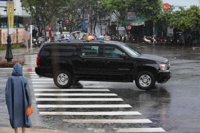 """Xe++ - """"Quái thú"""" Cadillac One của Tổng thống Mỹ lăn bánh tại Đà Nẵng (Hình 8)."""
