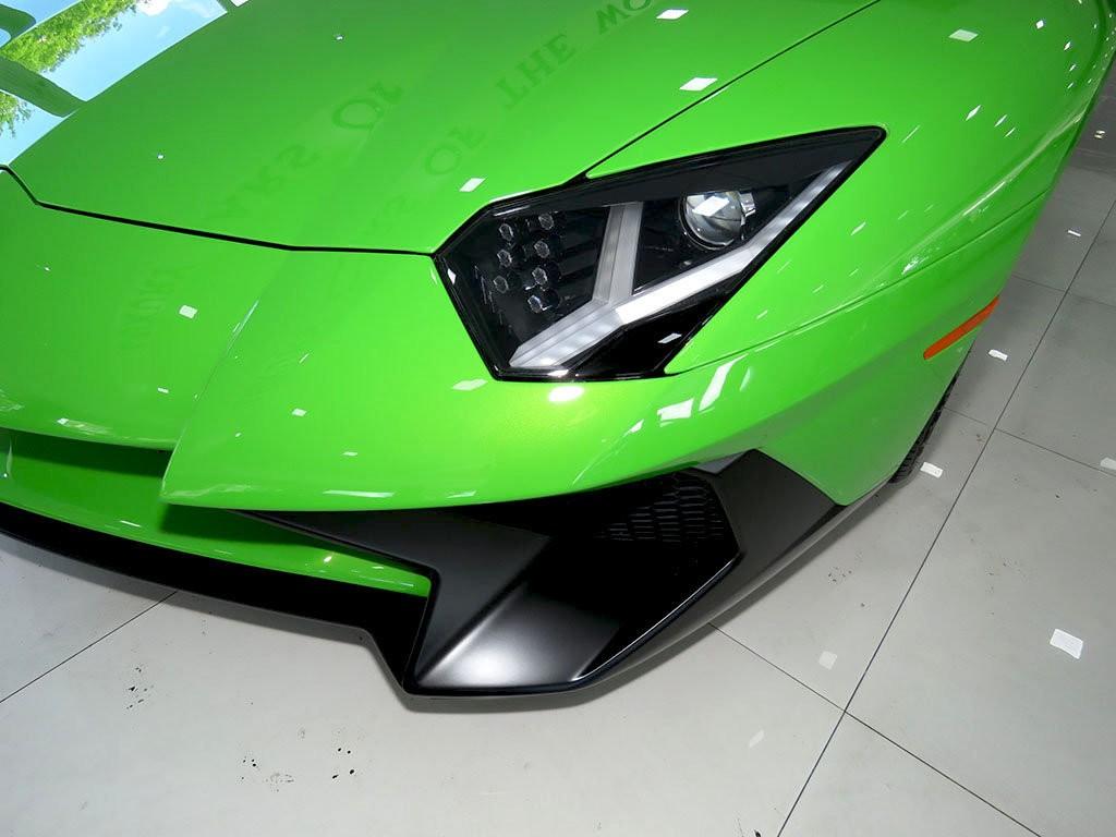 Xe++ - Lamborghini Aventador màu xanh cốm Verde Mantis độc nhất thế giới (Hình 5).