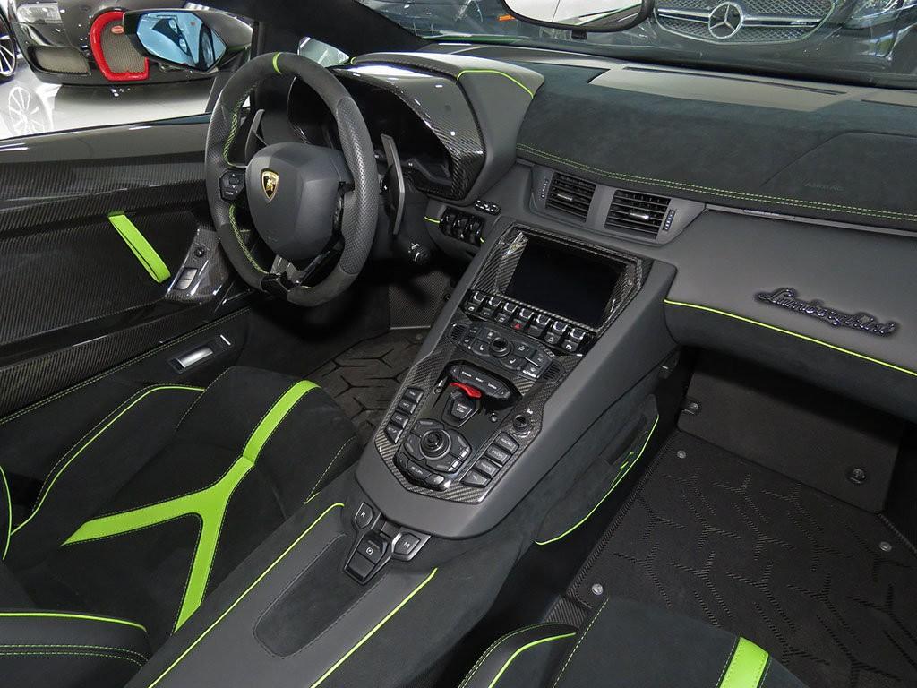 Xe++ - Lamborghini Aventador màu xanh cốm Verde Mantis độc nhất thế giới (Hình 15).
