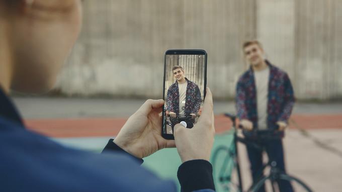 Công nghệ - OnePlus 5T lộ diện: Chụp ảnh tốt hơn, bảo mật 'y chang' iPhone X (Hình 2).