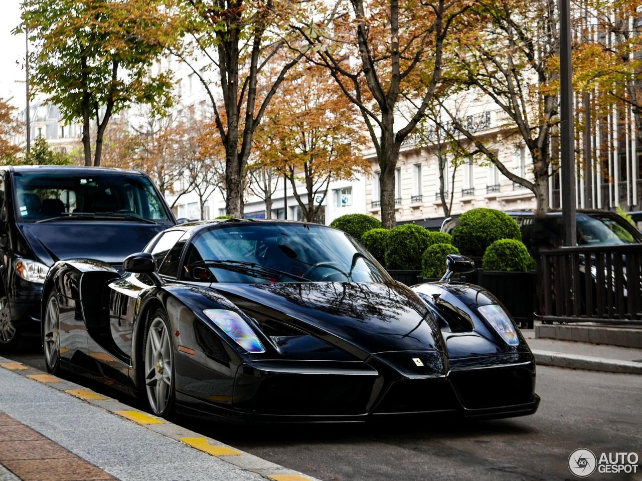 """Xe++ - """"Tóm gọn"""" siêu xe triệu đô hàng hiếm Ferrari Enzo trên phố (Hình 5)."""