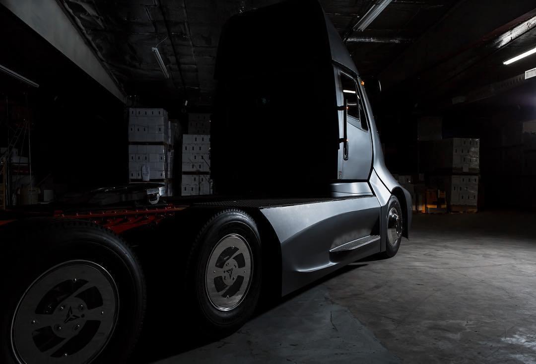 Xe++ - Xe tải điện Thor Trucks ET-One ra mắt, cạnh tranh với Tesla Semi  (Hình 3).