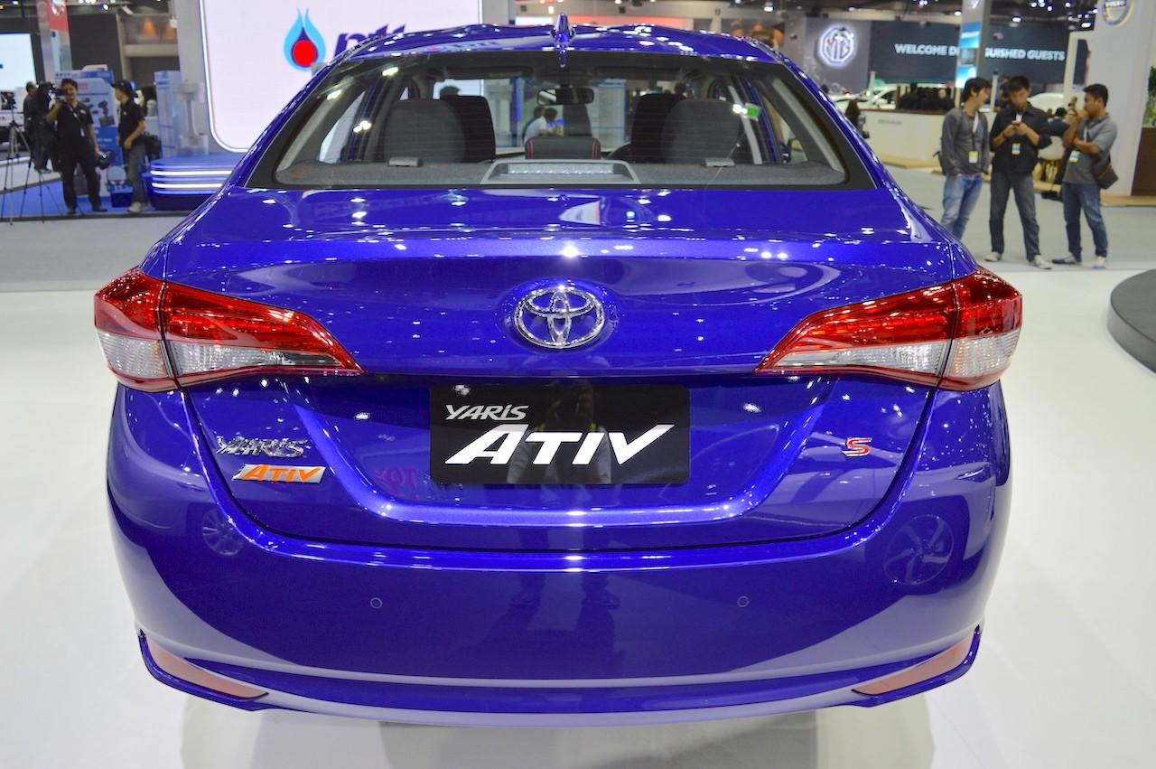 Xe++ - Toyota Yaris Ativ ra mắt tại Lào có tên gọi Toyota Vios (Hình 5).