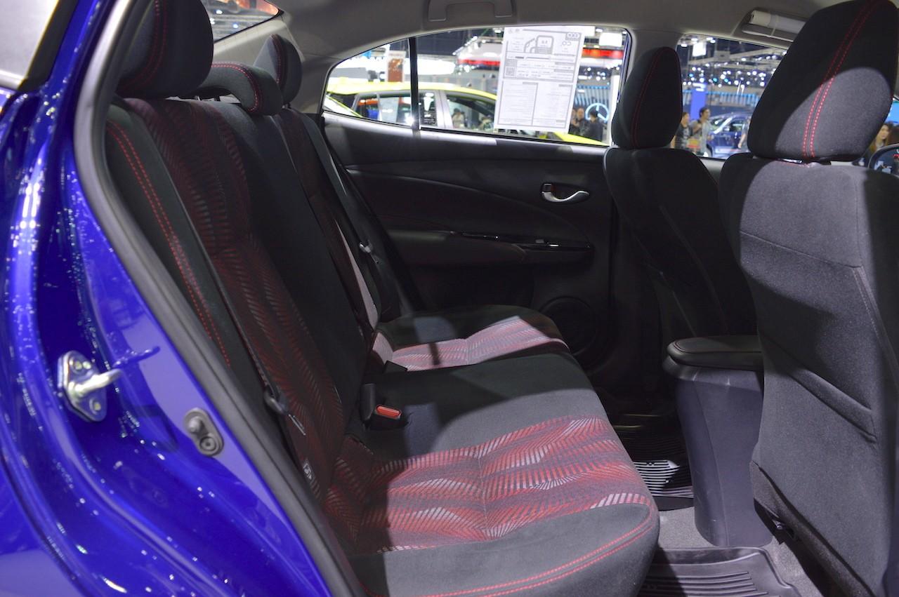Xe++ - Toyota Yaris Ativ ra mắt tại Lào có tên gọi Toyota Vios (Hình 9).