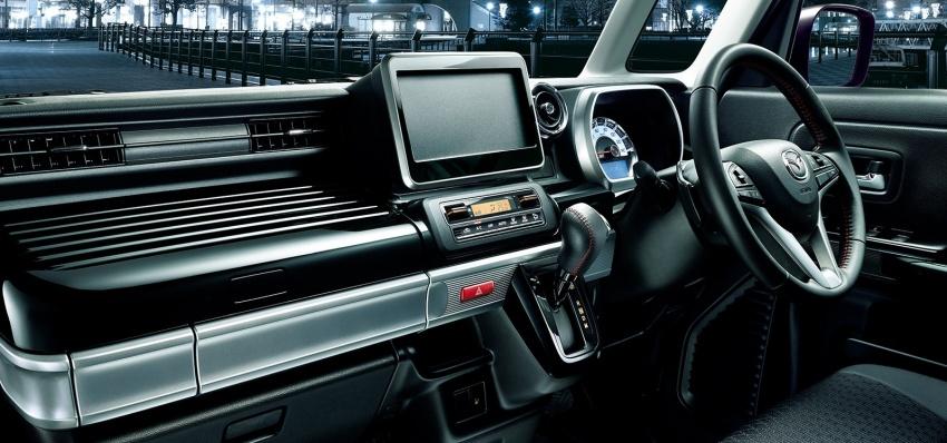 """Xe++ - Mazda giới thiệu ô tô """"hộp diêm"""" Flair Wagon lạ mắt (Hình 10)."""