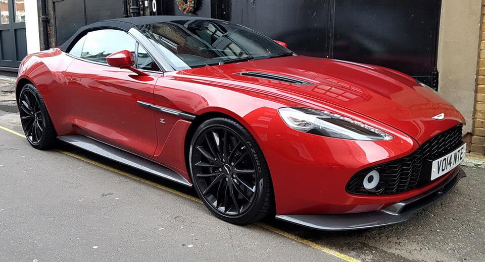 Thú chơi xe - Bắt gặp hàng hiếm Aston Martin Vanquish Zagato Volantes trên phố