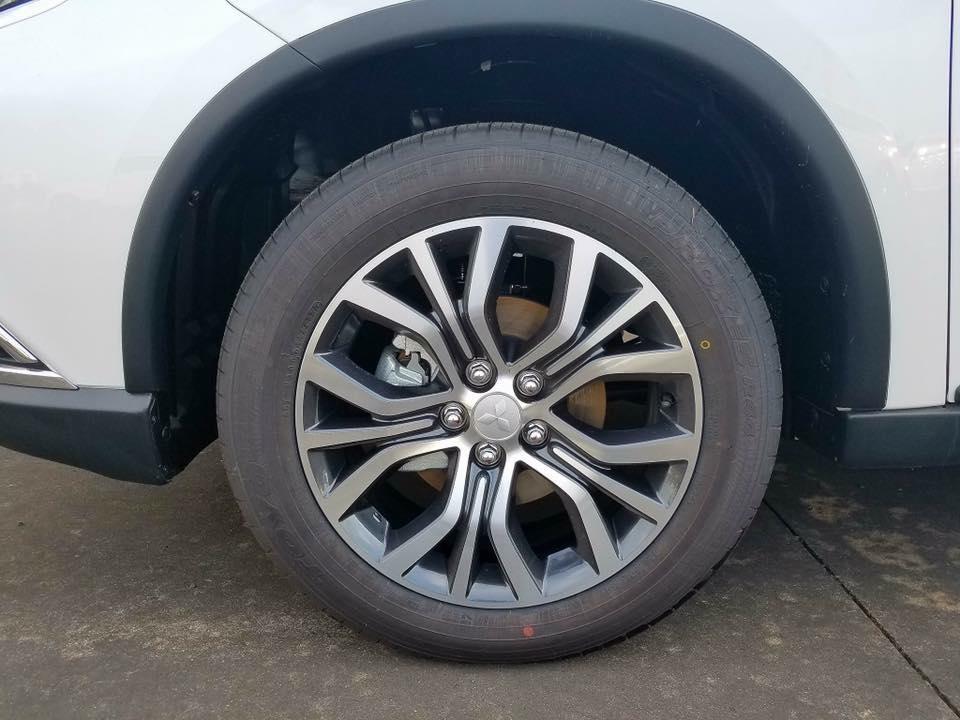 Thị trường xe - Mitsubishi Outlander lắp ráp trong nước (CKD) giá bán thấp hơn đề suất (Hình 13).