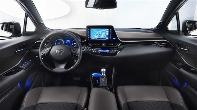 Thị trường xe - Toyota C-HR trở thành mẫu SUV bán chạy nhất tại Nhật Bản (Hình 4).