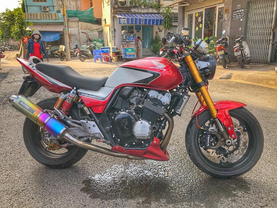 """Thú chơi xe - Honda CB400 """"hầm hố"""" độ phuộc Kawasaki ZX10R"""