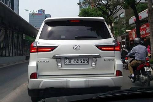 """Thú chơi xe - Ngắm bộ sưu tập Lexus LX570 biển """"siêu khủng"""" của đại gia Việt (Hình 5)."""