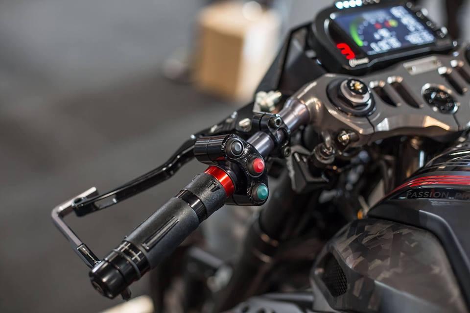 Thú chơi xe - Nakedbike 'hiếu chiến' MV Agusta Dragster độ Black out độc nhất vô nhị (Hình 5).