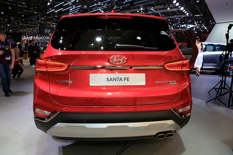 Thị trường xe - Hyundai Santa Fe 2019 sẽ có bản hybrid và plug-in hybrid (Hình 7).