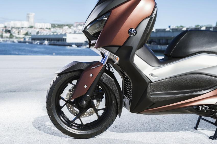 Thị trường xe - Yamaha tung 'hàng khủng' XMax 2508 cạnh tranh Honda Forza 300 (Hình 3).