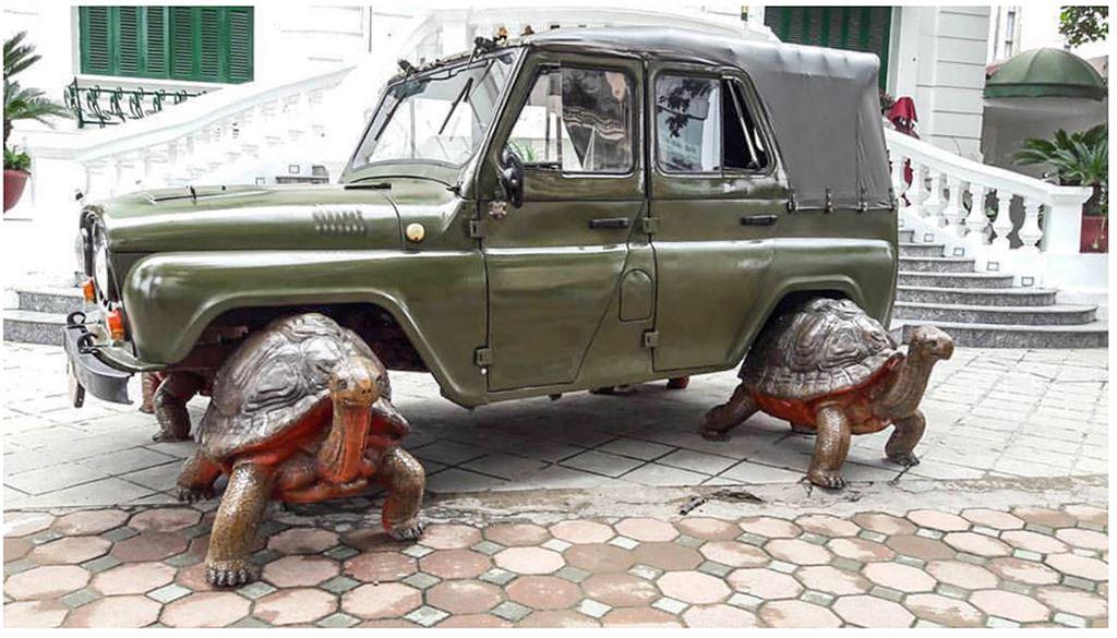 Thú chơi xe - Ngỡ ngàng bộ đôi xe UAZ, Ural dẫn động bằng... rùa tại Việt Nam (Hình 6).