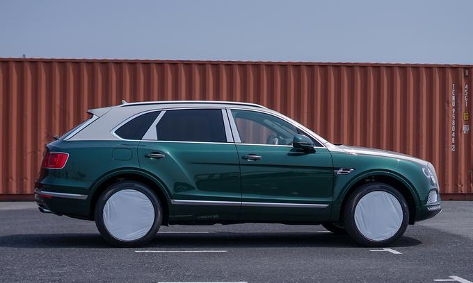 Thú chơi xe - SUV siêu sang Bentley Bentayga màu cực hiếm bất ngờ về Việt Nam (Hình 2).