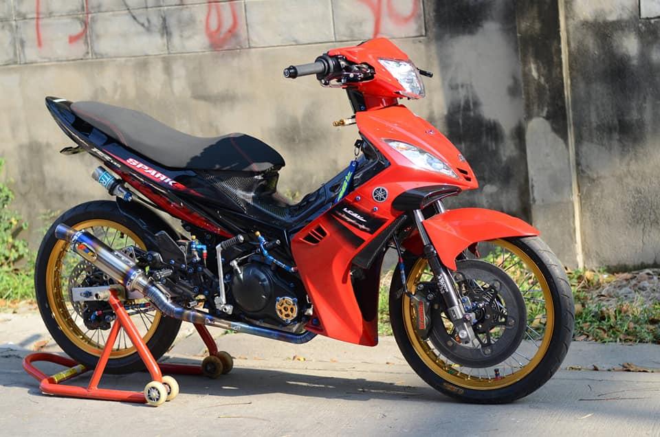 """Thú chơi xe - """"Chiến mã"""" Yamaha Exciter 2010 hồi sinh với loạt đồ chơi đắt tiền"""