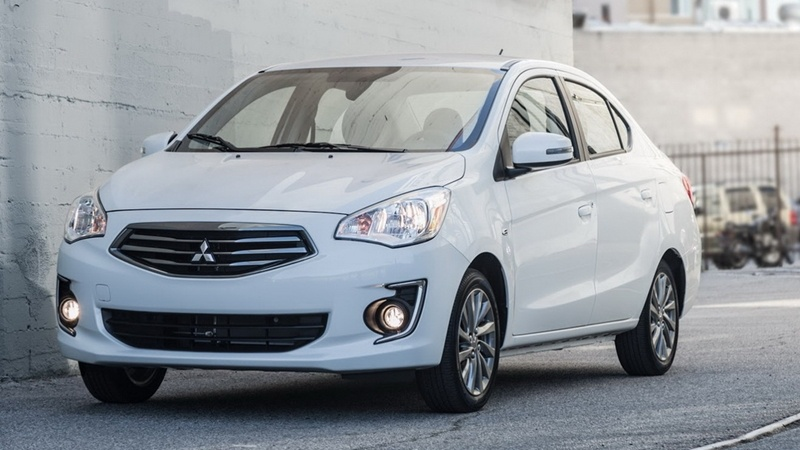 Thị trường xe - Giá ô tô Mitsubishi mới nhất tháng 4/2018: 'Tân binh' Triton Athlete về nước giá 745 triệu (Hình 3).