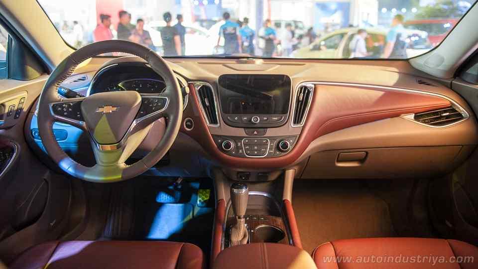 Thị trường xe - Chevrolet Malibu 2018 lột xác 'đấu' Honda Accord, Toyota Camry (Hình 6).