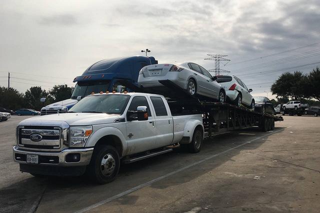 Thị trường xe - Ô tô ngập nước do bão tại Mỹ vẫn đang được xuất khẩu sang Đông Nam Á