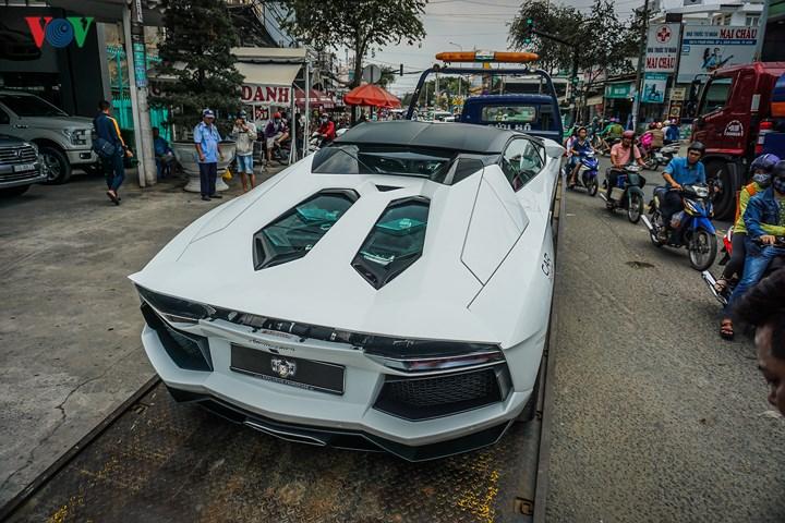 Thị trường xe - Lamborghini Aventador Roadster chính thức có mặt tại Sài Gòn (Hình 6).