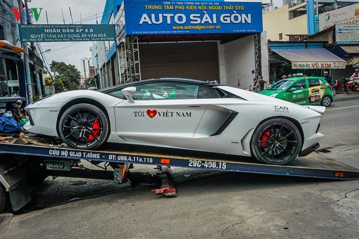 Thị trường xe - Lamborghini Aventador Roadster chính thức có mặt tại Sài Gòn (Hình 5).