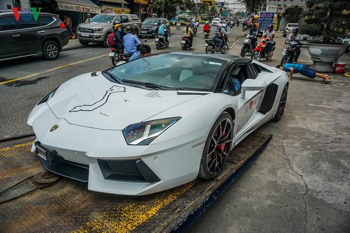Thị trường xe - Lamborghini Aventador Roadster chính thức có mặt tại Sài Gòn (Hình 2).