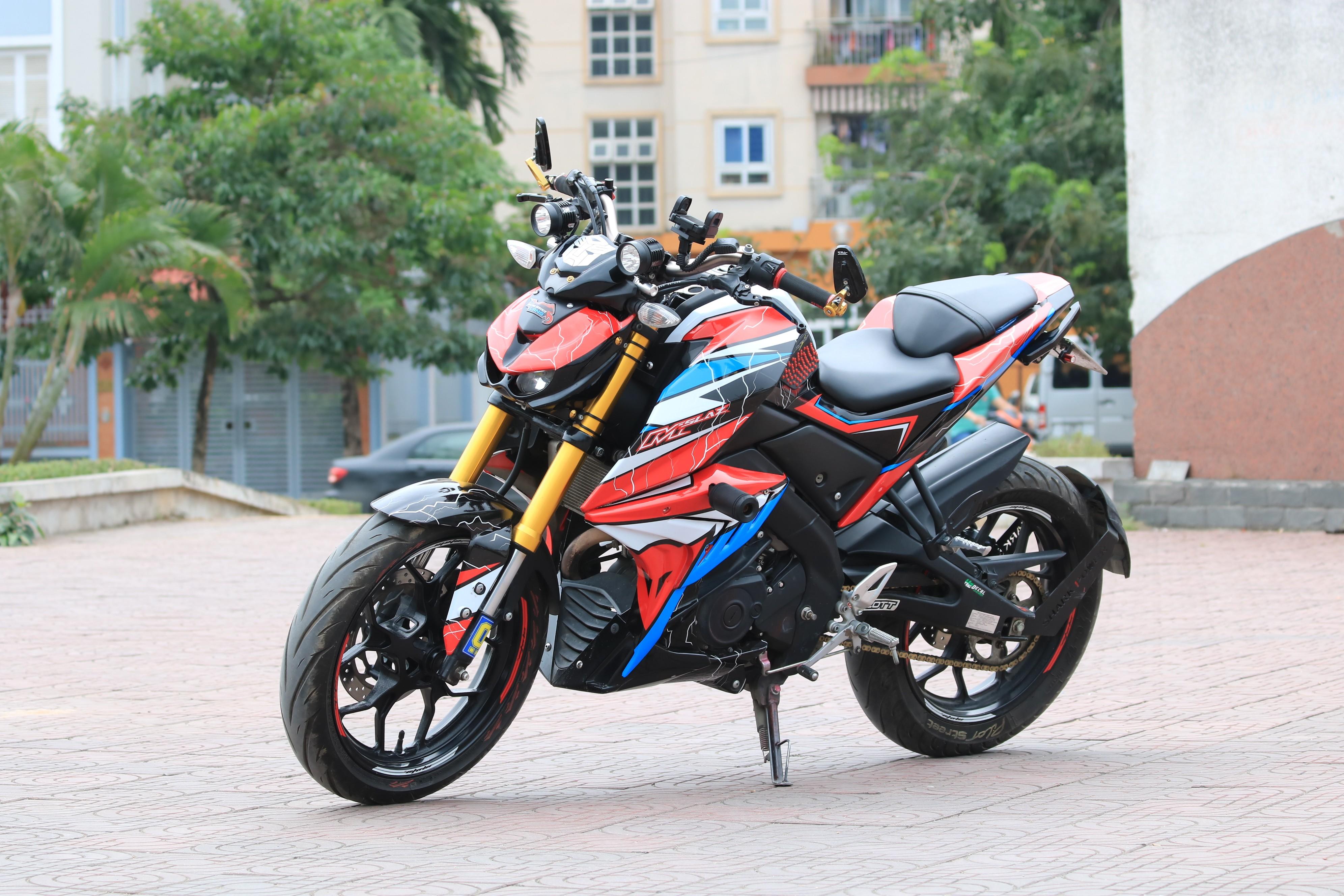 Thú chơi xe - Yamaha TFX 150 'hô biến' thành Kawasaki Z1000 đẹp, độc, lạ của biker Việt