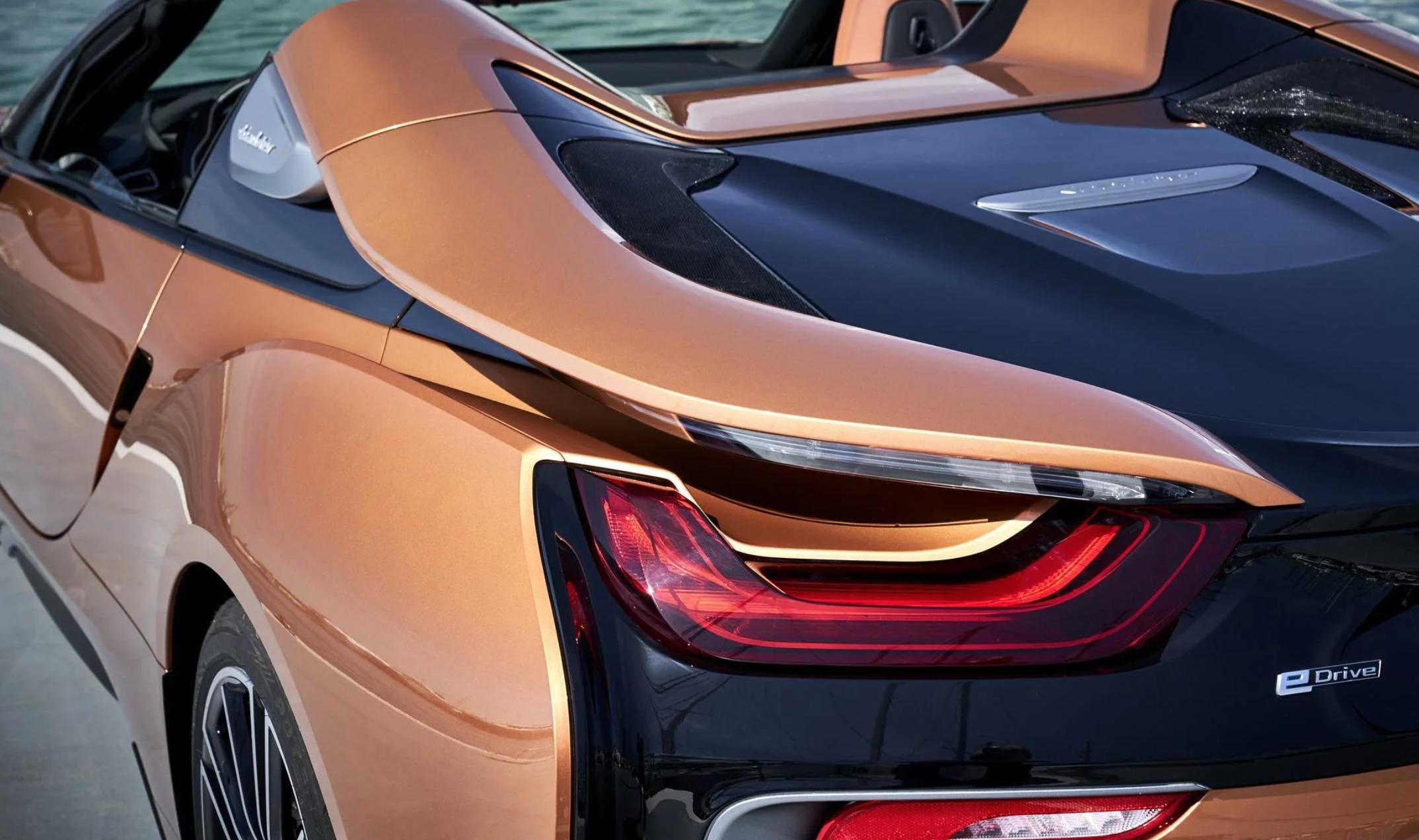 Thị trường xe - Ngất ngây với siêu xe mui trần BMW i8 Roadster 'bằng xương bằng thịt' (Hình 9).