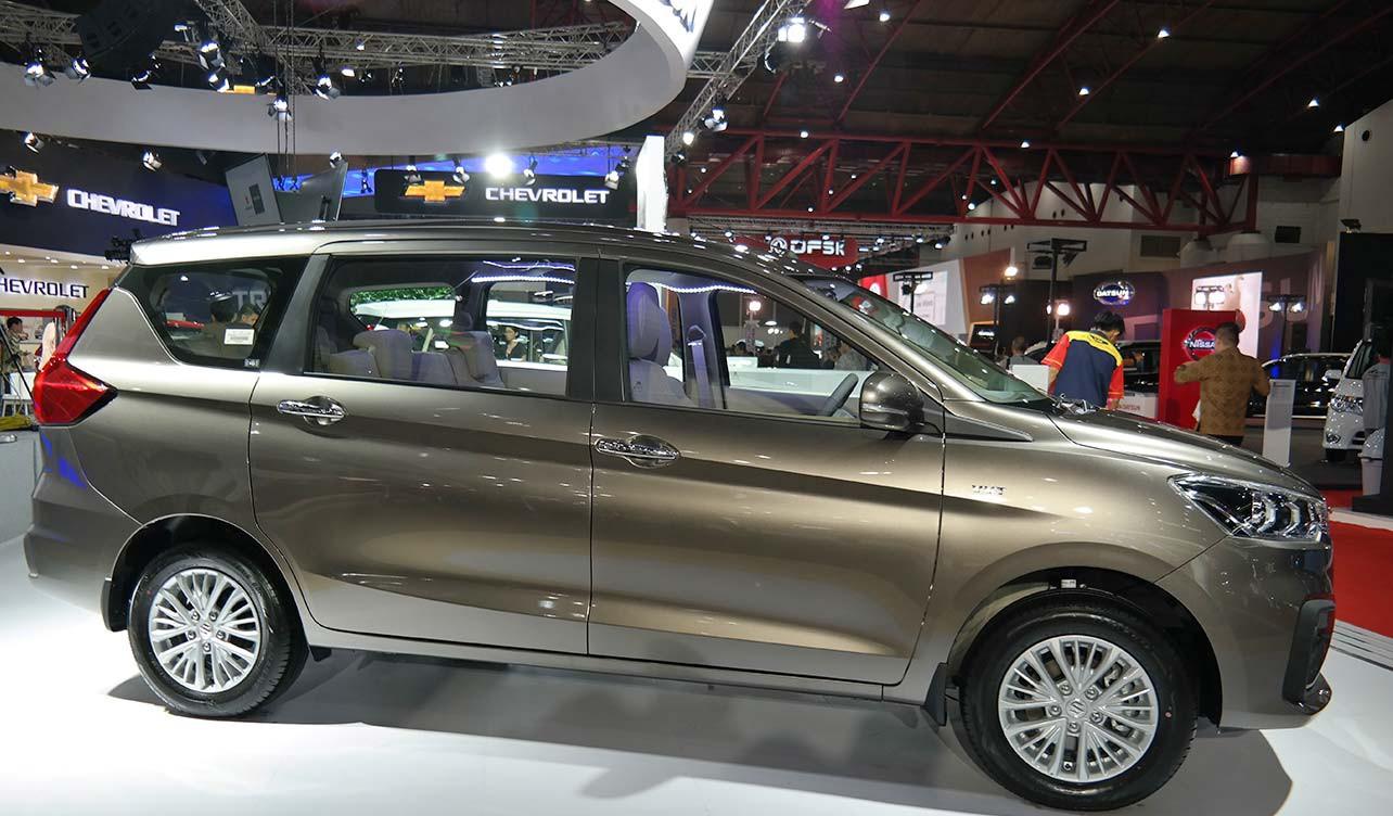 Thị trường xe - Suzuki Ertiga - đối thủ Toyota Innova sớm nhận gần 800 đơn đặt hàng (Hình 4).