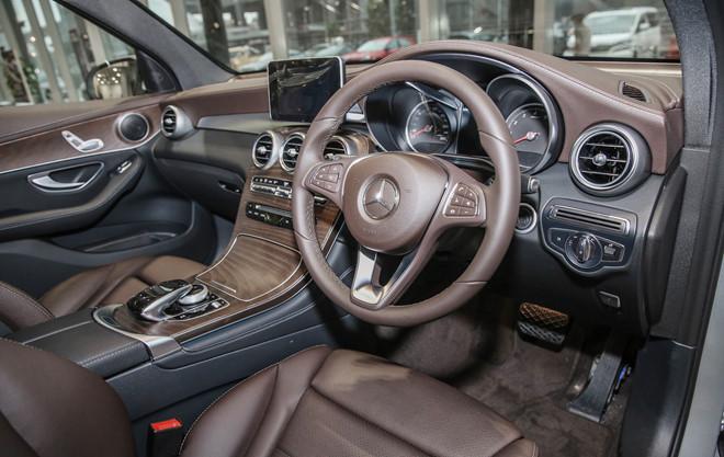 Thị trường xe - Xem trước Mercedes-Benz GLC 200 sắp về Việt Nam (Hình 4).