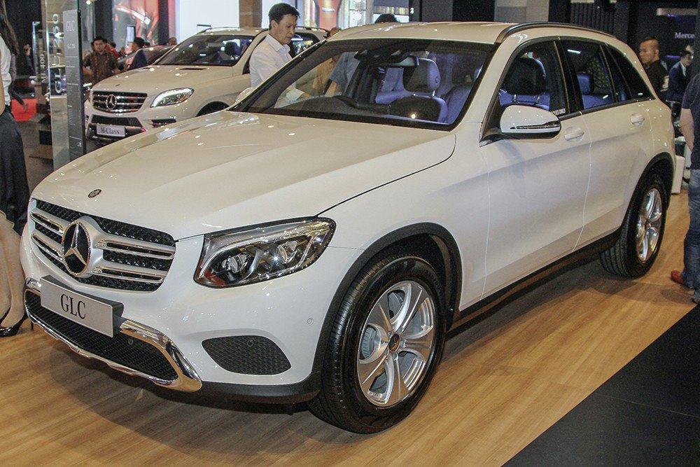 Dòng xe ăn khách GLC 250 4MATIC và GLC 300 4MATIC bất ngờ tăng giá bán