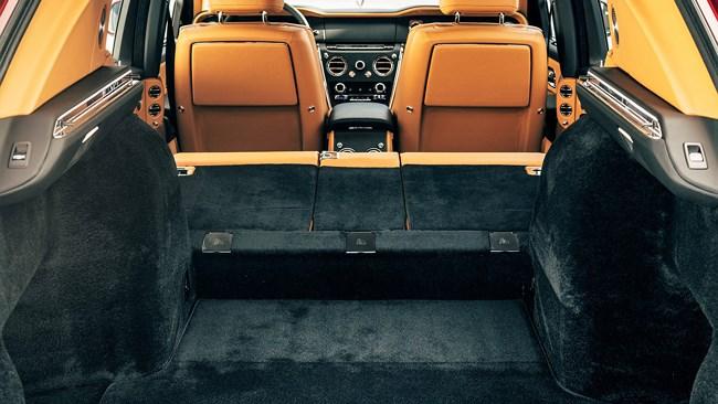 Thị trường xe - Chiêm ngưỡng Rolls-Royce Cullinan: SUV sang trọng bậc nhất thế giới (Hình 9).