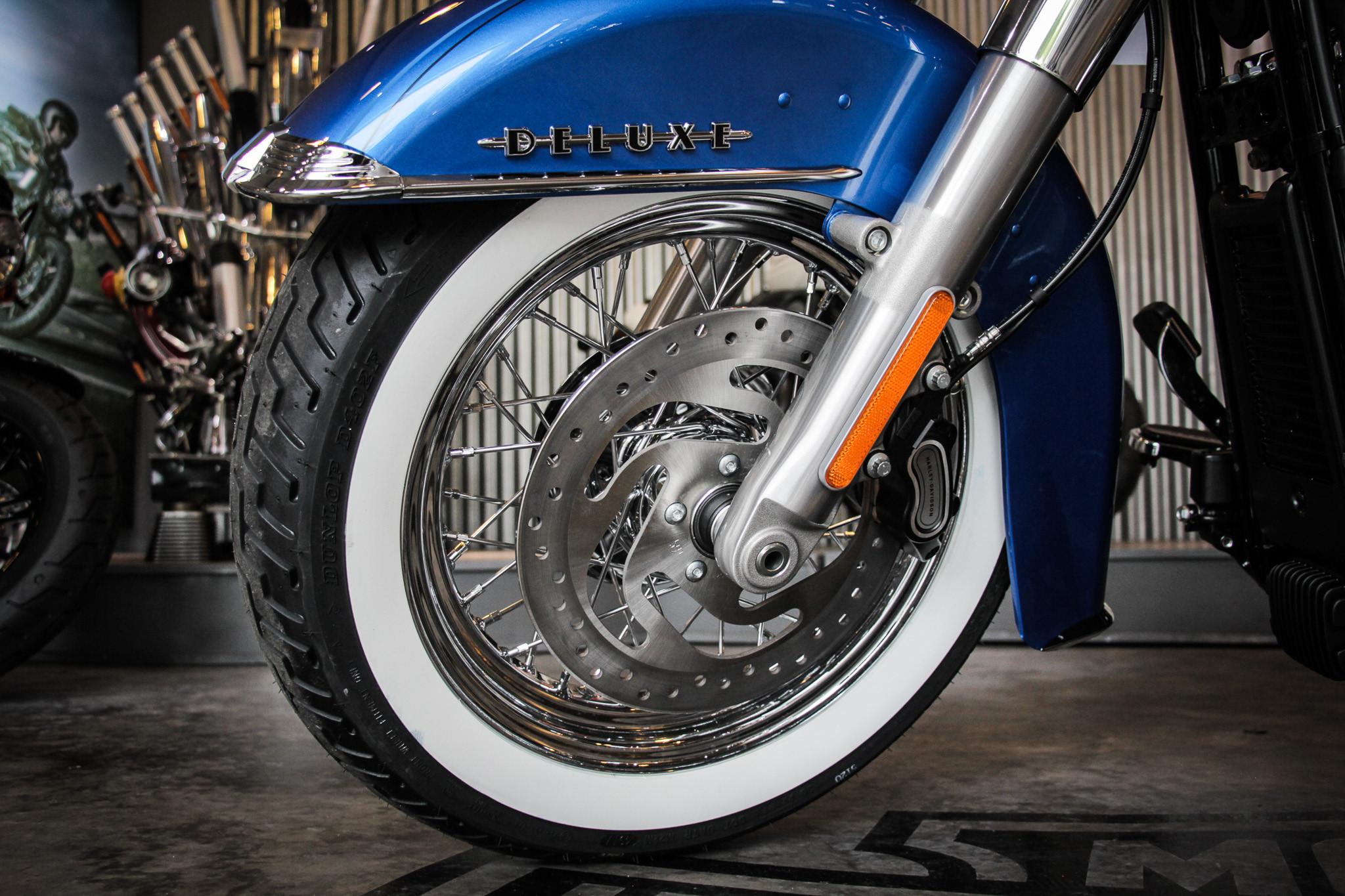 Thị trường xe - Harley-Davidson Softail Deluxe 2018 độc nhất Việt Nam ngang giá Camry có gì? (Hình 8).