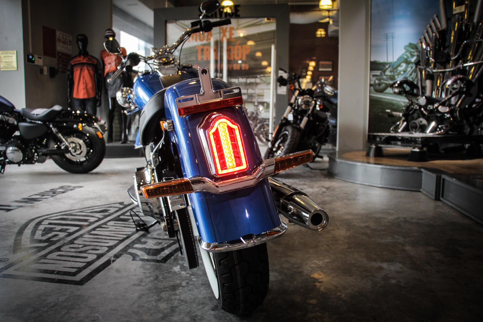 Thị trường xe - Harley-Davidson Softail Deluxe 2018 độc nhất Việt Nam ngang giá Camry có gì? (Hình 6).